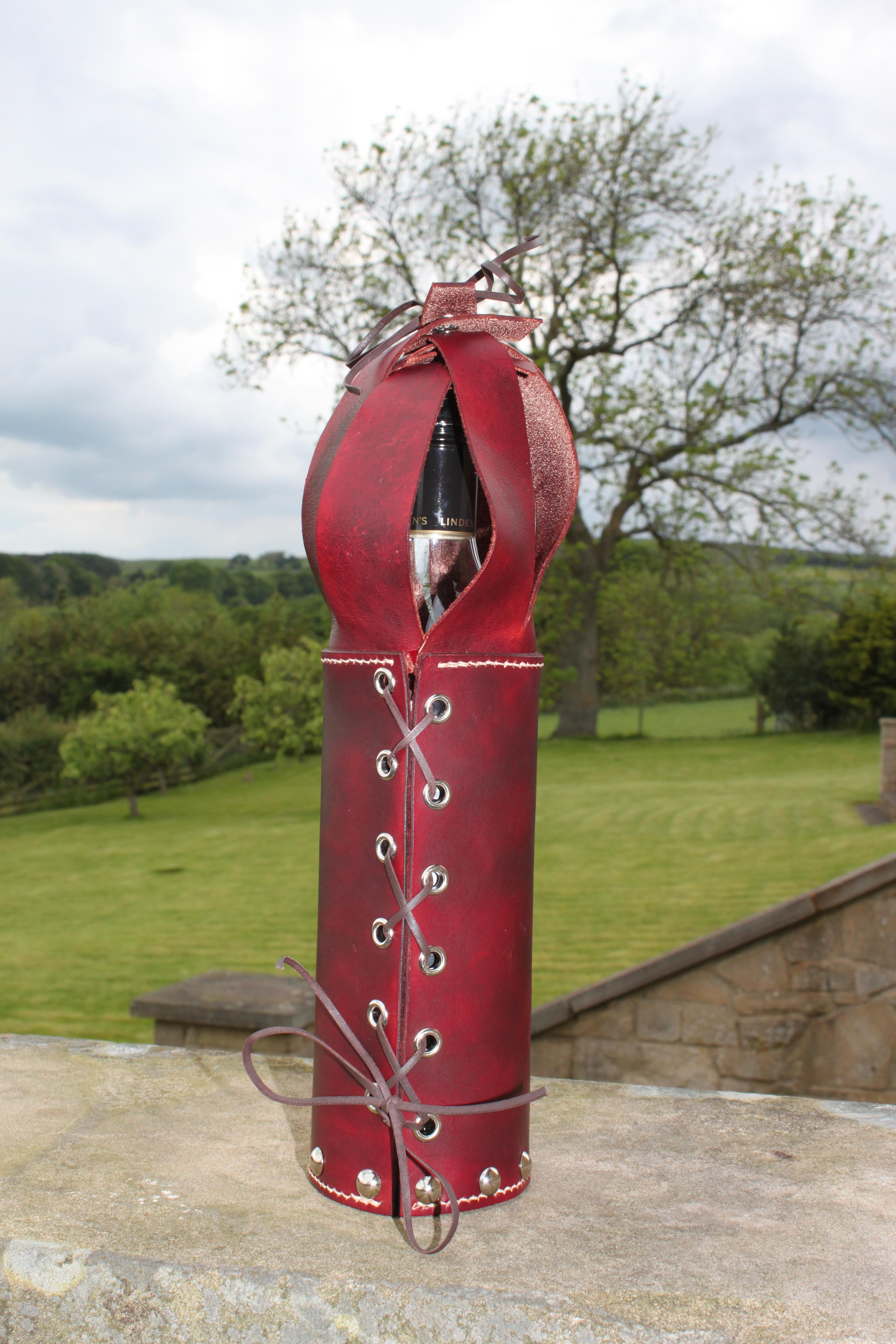 Wine Bottle Presentation Case by Evancliffe Leathercraft